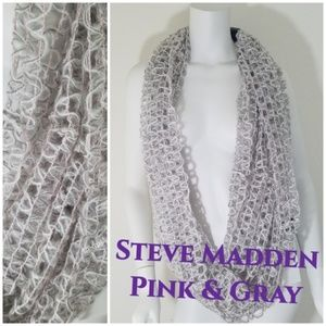 New Steve Madden Gray & Pink Infinity Scarf